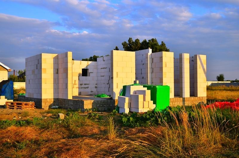 строим стены